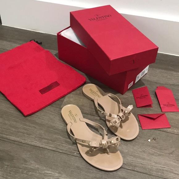 ecf3d6f43bfd66 VALENTINO Rockstud sandals jellies. M 5a859b9184b5ce54770952fc